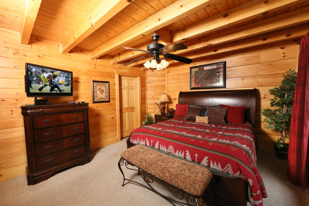 Photo of a Pigeon Forge Cabin named Moonlight And Memories - This is the thirteenth photo in the set.