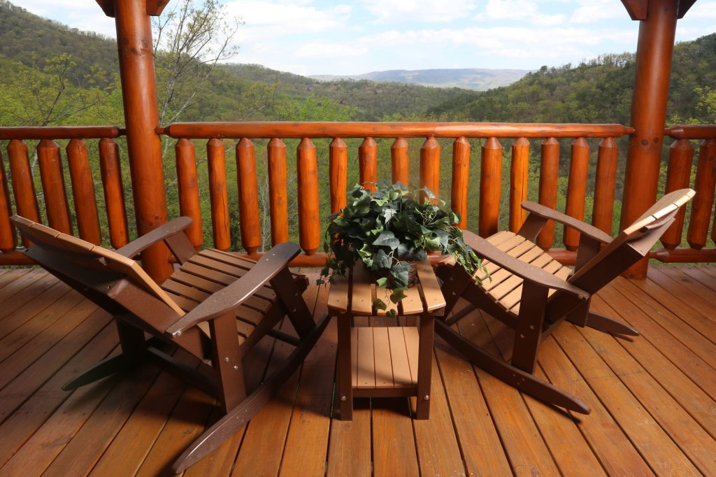 Photo of a Sevierville Cabin named Mountain Dreams - This is the first photo in the set.