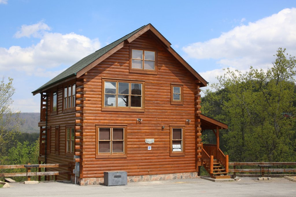 Photo of a Sevierville Cabin named Mountain Dreams - This is the eighth photo in the set.
