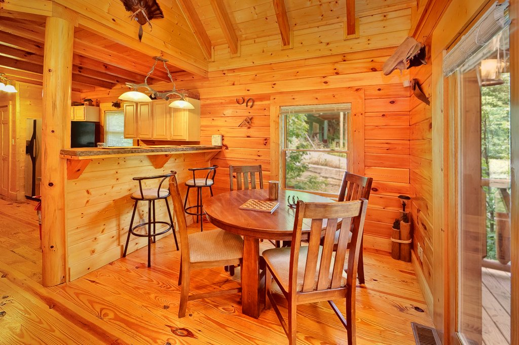 Photo of a Gatlinburg Cabin named Magic Moments - This is the eighth photo in the set.