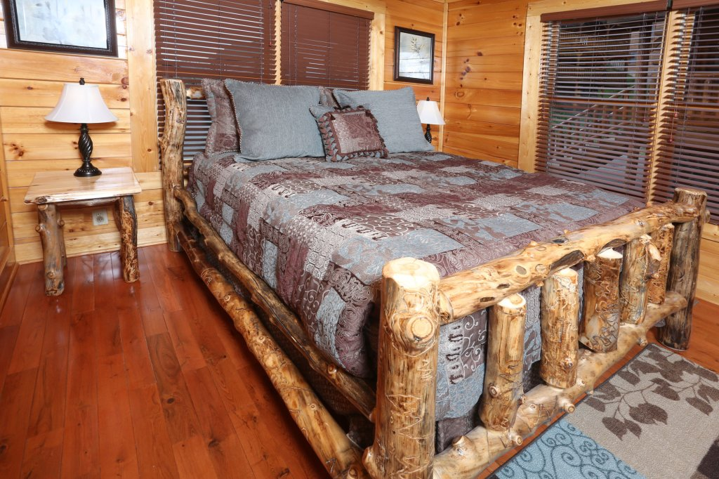 Photo of a Sevierville Cabin named Mountain Dreams - This is the nineteenth photo in the set.