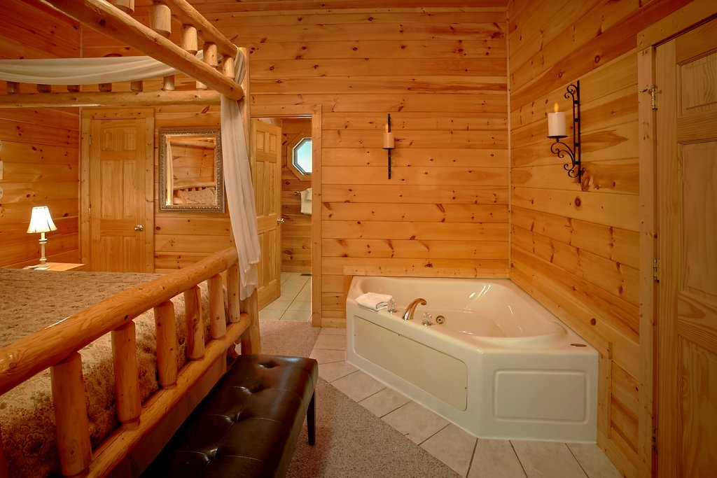 Photo of a Gatlinburg Cabin named Romance Inn - This is the thirty-eighth photo in the set.
