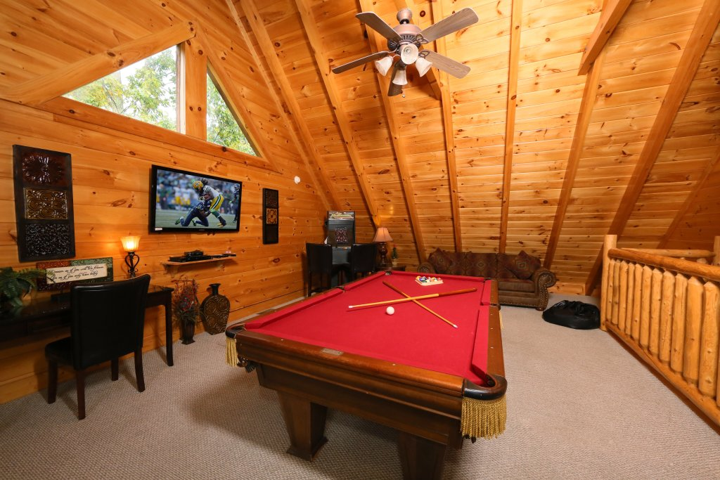 Photo of a Pigeon Forge Cabin named Moonlight And Memories - This is the twenty-second photo in the set.