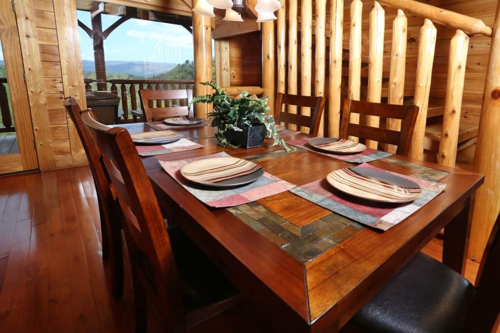 Photo of a Sevierville Cabin named Mountain Dreams - This is the seventeenth photo in the set.