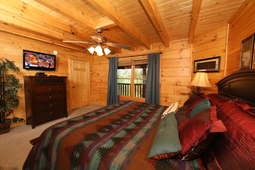 Photo of a Pigeon Forge Cabin named Moonlight And Memories - This is the seventeenth photo in the set.