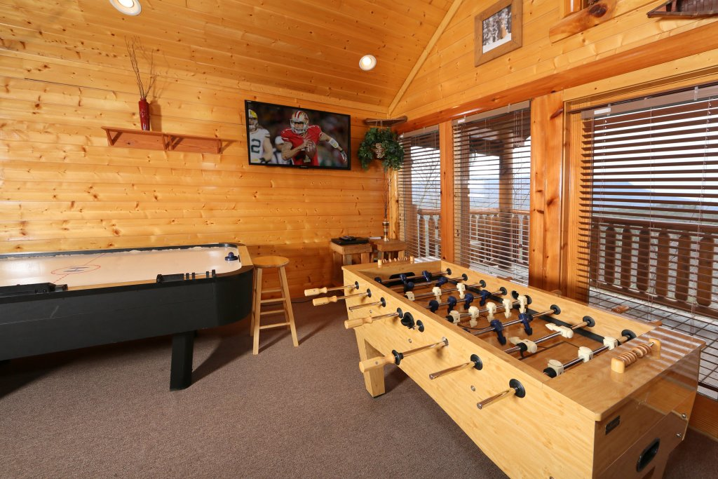 Photo of a Pigeon Forge Cabin named Rising Eagle Lodge - This is the twentieth photo in the set.