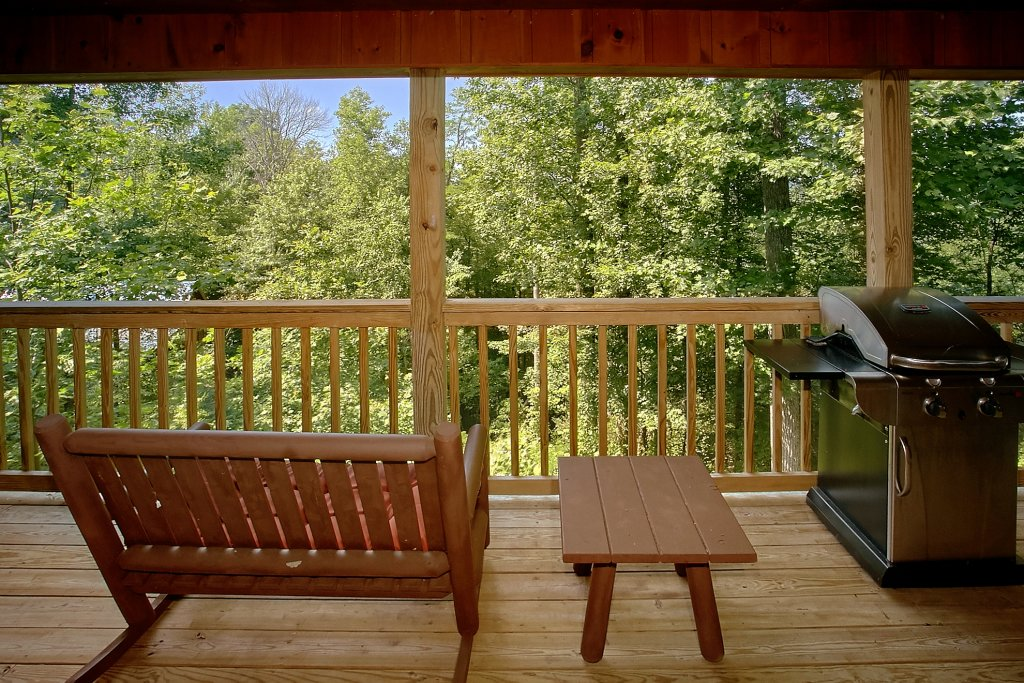 Photo of a Gatlinburg Cabin named Romance Inn - This is the twenty-eighth photo in the set.