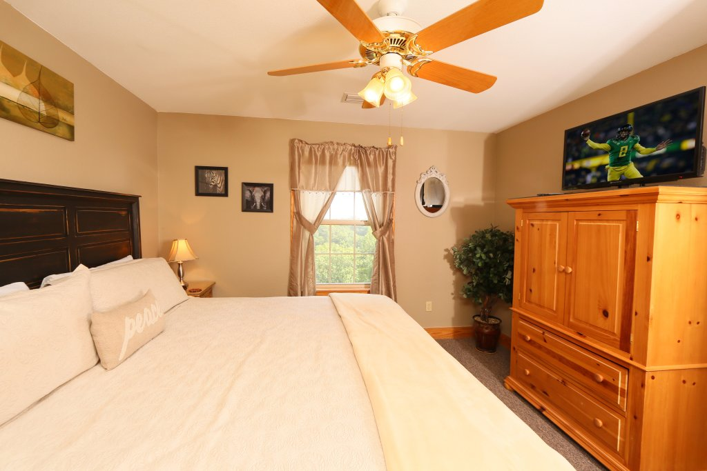 Photo of a Pigeon Forge Cabin named Pinnacle View 7a - This is the twenty-second photo in the set.