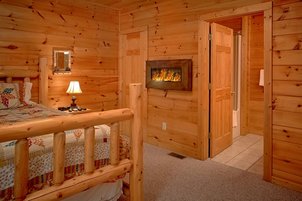 Photo of a Gatlinburg Cabin named Romance Inn - This is the fortieth photo in the set.