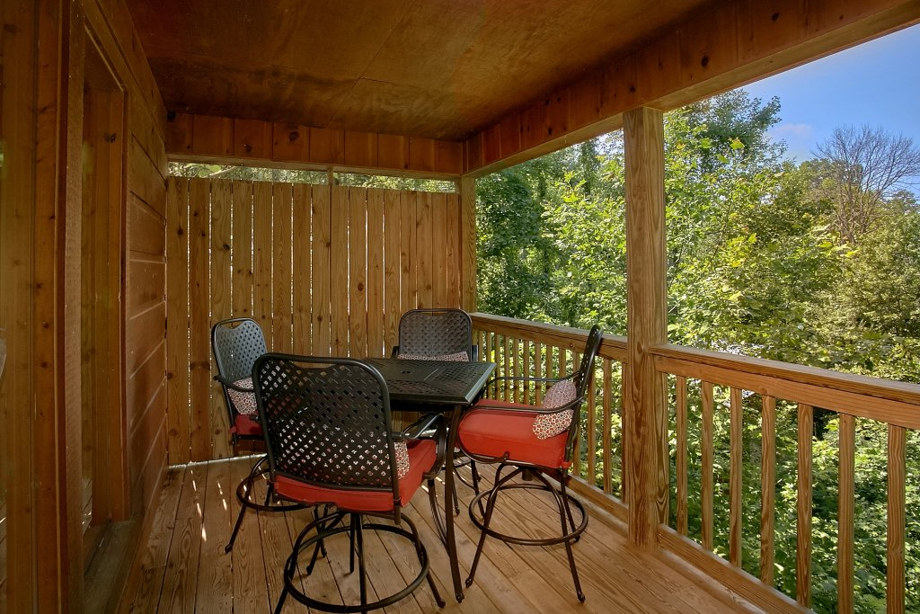 Photo of a Gatlinburg Cabin named Romance Inn - This is the twenty-seventh photo in the set.