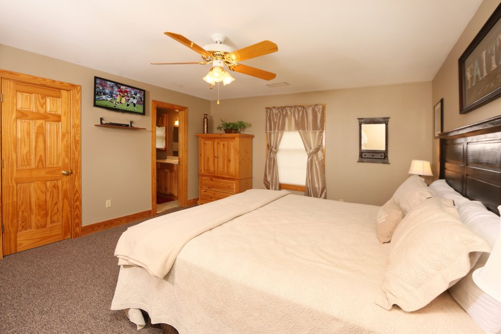 Photo of a Pigeon Forge Cabin named Pinnacle View 7a - This is the fourteenth photo in the set.