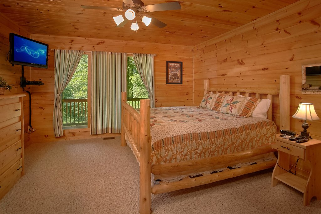Photo of a Gatlinburg Cabin named Romance Inn - This is the forty-second photo in the set.