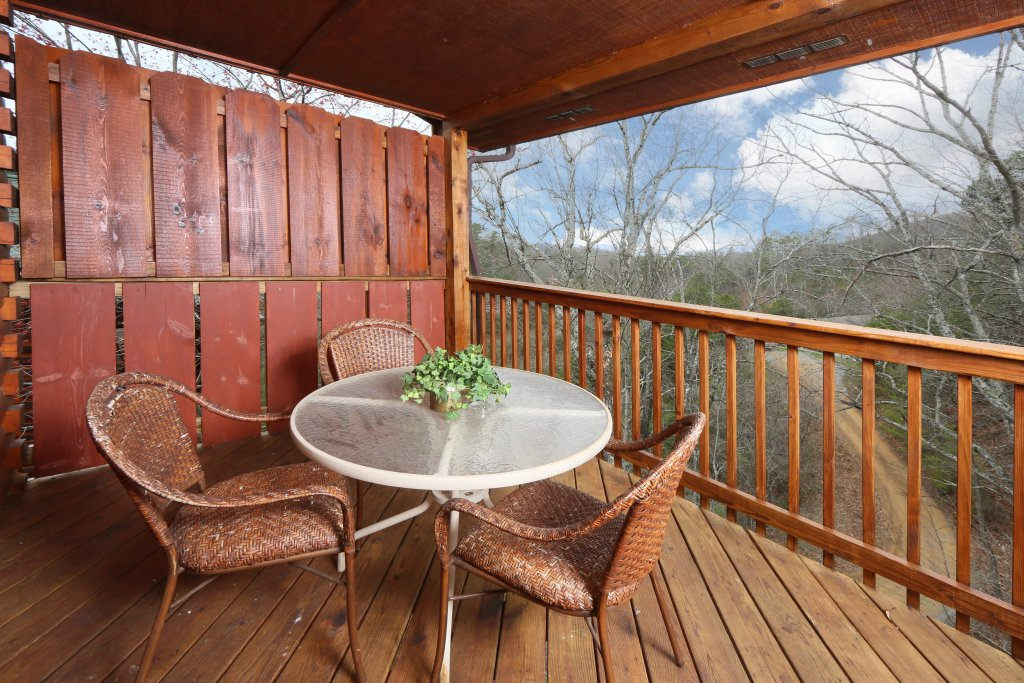 Photo of a Pigeon Forge Cabin named Drift Away - This is the sixth photo in the set.