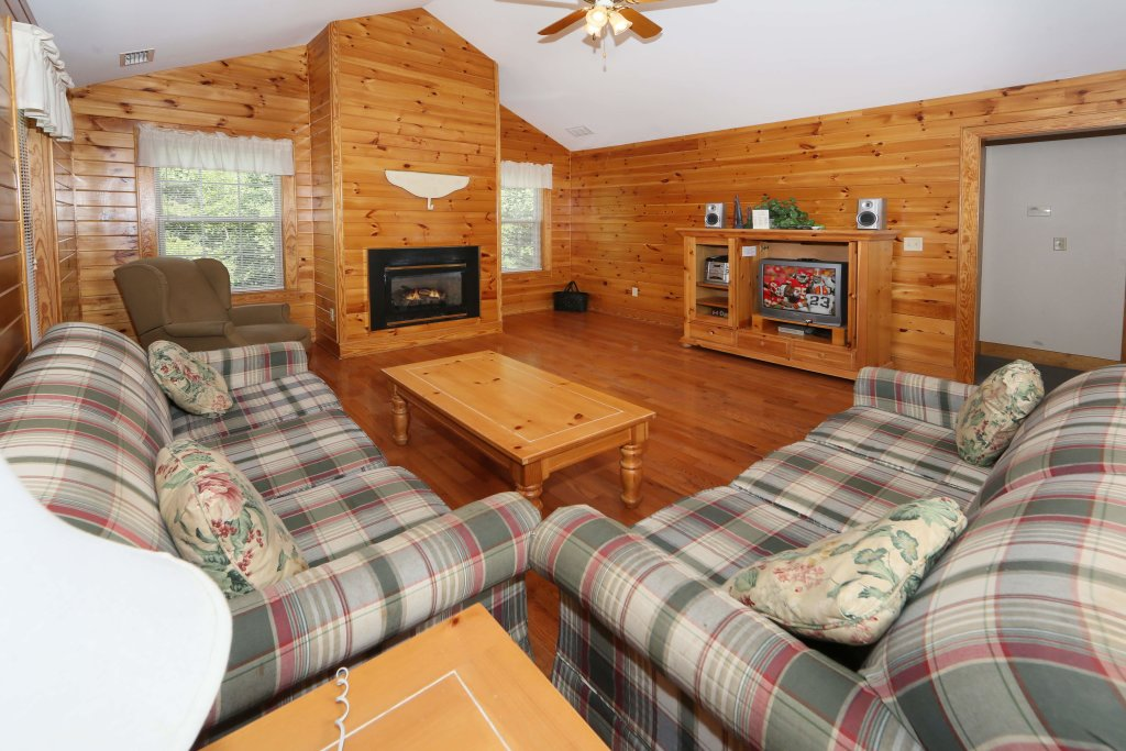 Photo of a Pigeon Forge Condo named Poplar Point Condo Unit 12f - This is the second photo in the set.