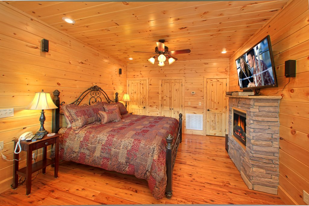 Photo of a Gatlinburg Cabin named Mountain Elegance - This is the tenth photo in the set.