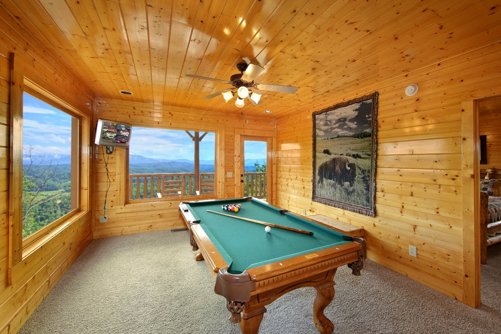 Photo of a Pigeon Forge Cabin named Spectacular Views (#51) - This is the third photo in the set.