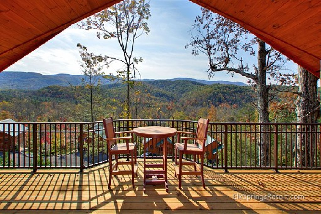 Photo of a Gatlinburg Cabin named Mountain Elegance - This is the second photo in the set.