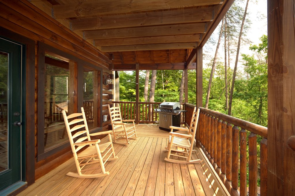 Photo of a Gatlinburg Cabin named Diamond Mine - This is the thirty-third photo in the set.