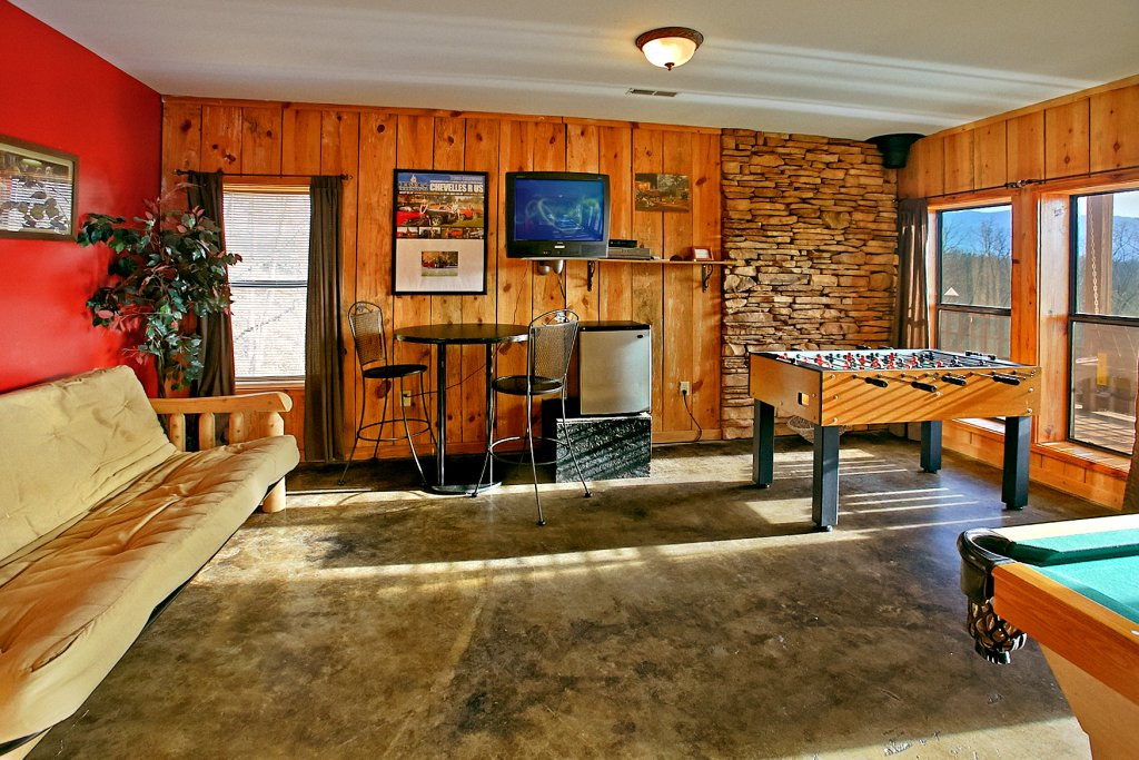 Photo of a Gatlinburg Cabin named Hawks Ridge - This is the fourth photo in the set.