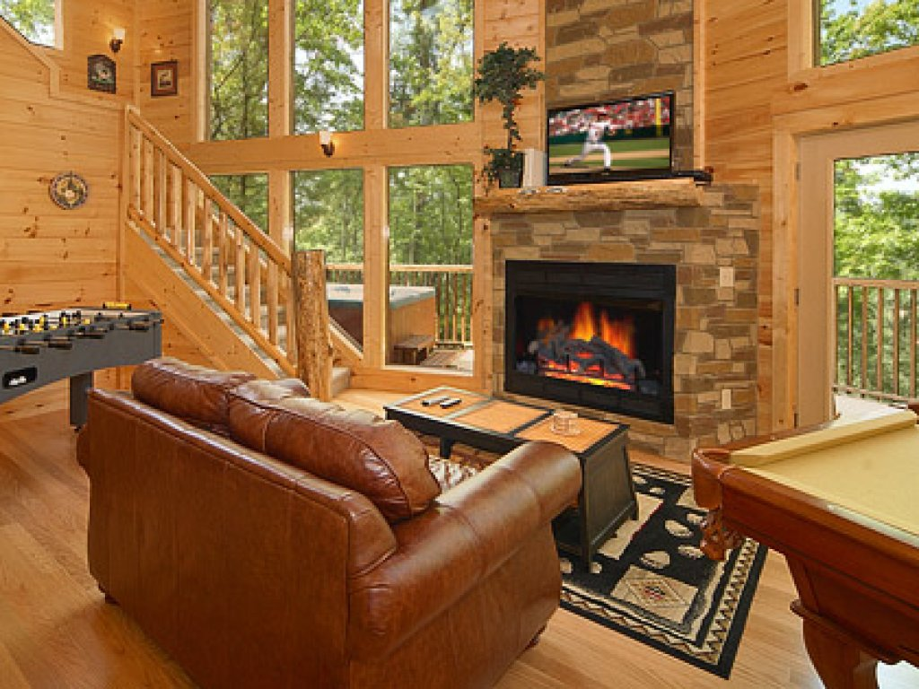 Photo of a Gatlinburg Cabin named Spur Of The Moment - This is the seventh photo in the set.
