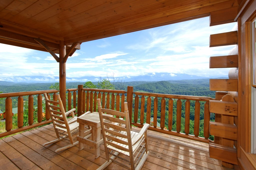 Photo of a Pigeon Forge Cabin named Spectacular Views (#51) - This is the second photo in the set.