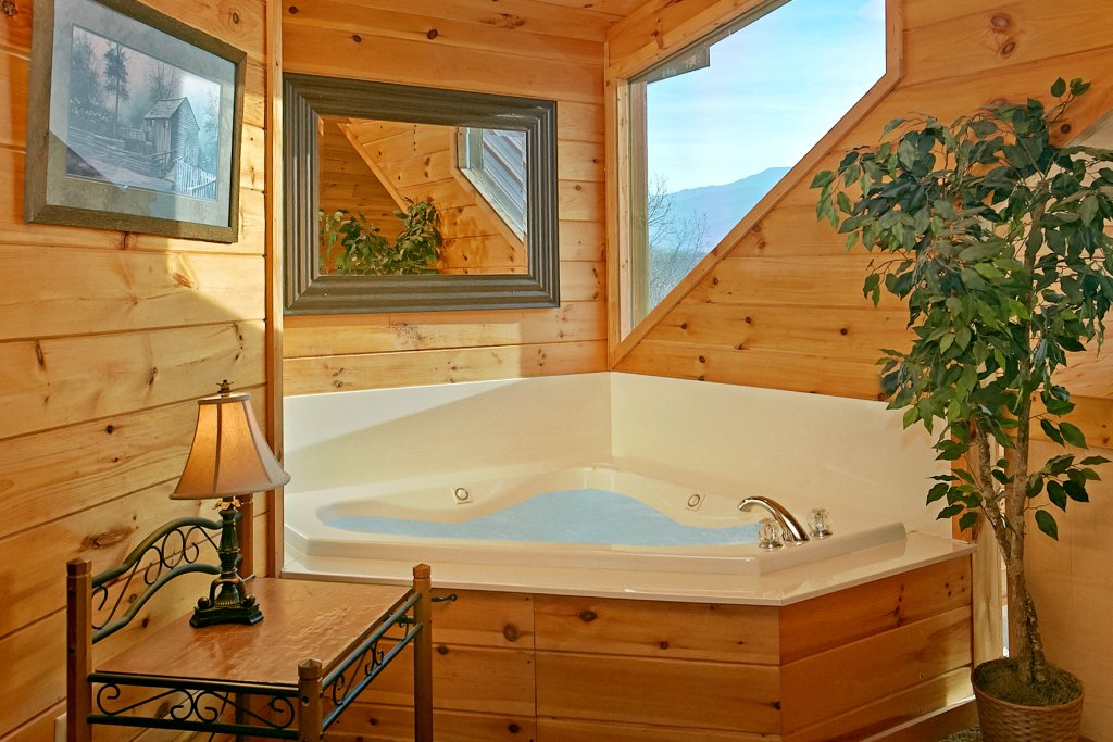 Photo of a Gatlinburg Cabin named Hawks Ridge - This is the fourteenth photo in the set.