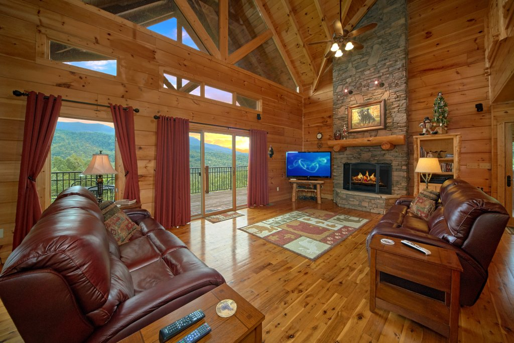 Photo of a Gatlinburg Cabin named Wine Down - This is the fourteenth photo in the set.