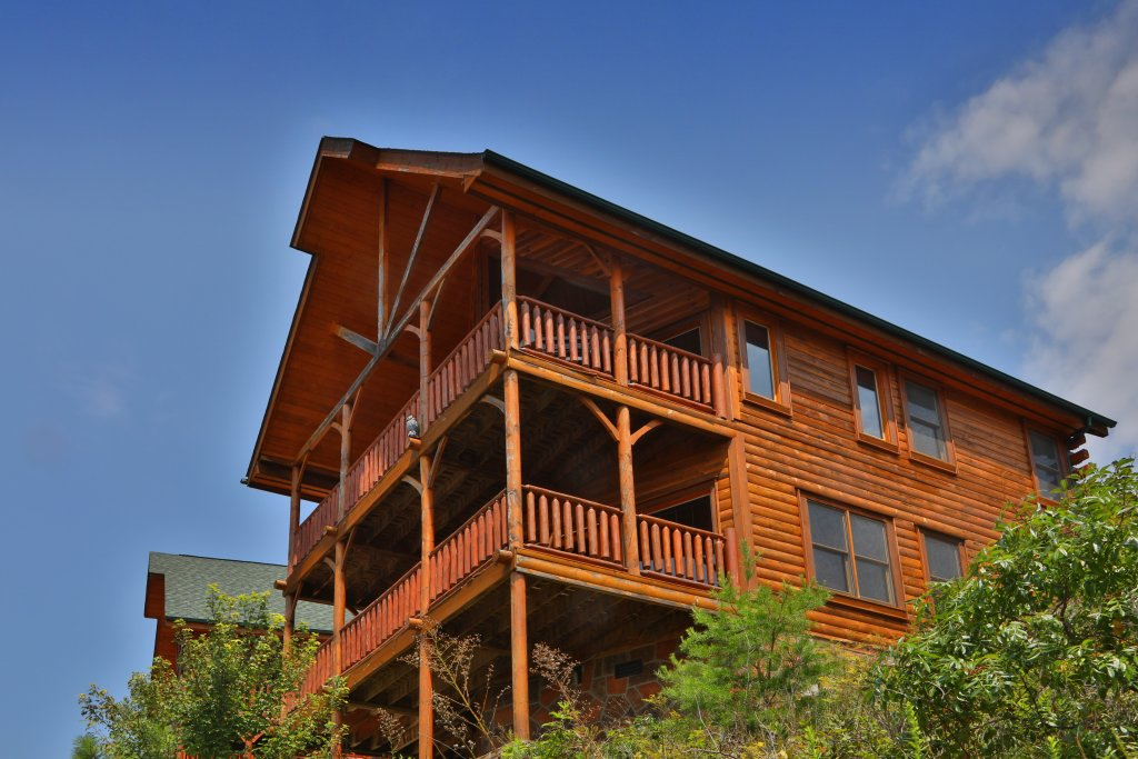 Photo of a Pigeon Forge Cabin named Up, Up & Away - This is the ninth photo in the set.
