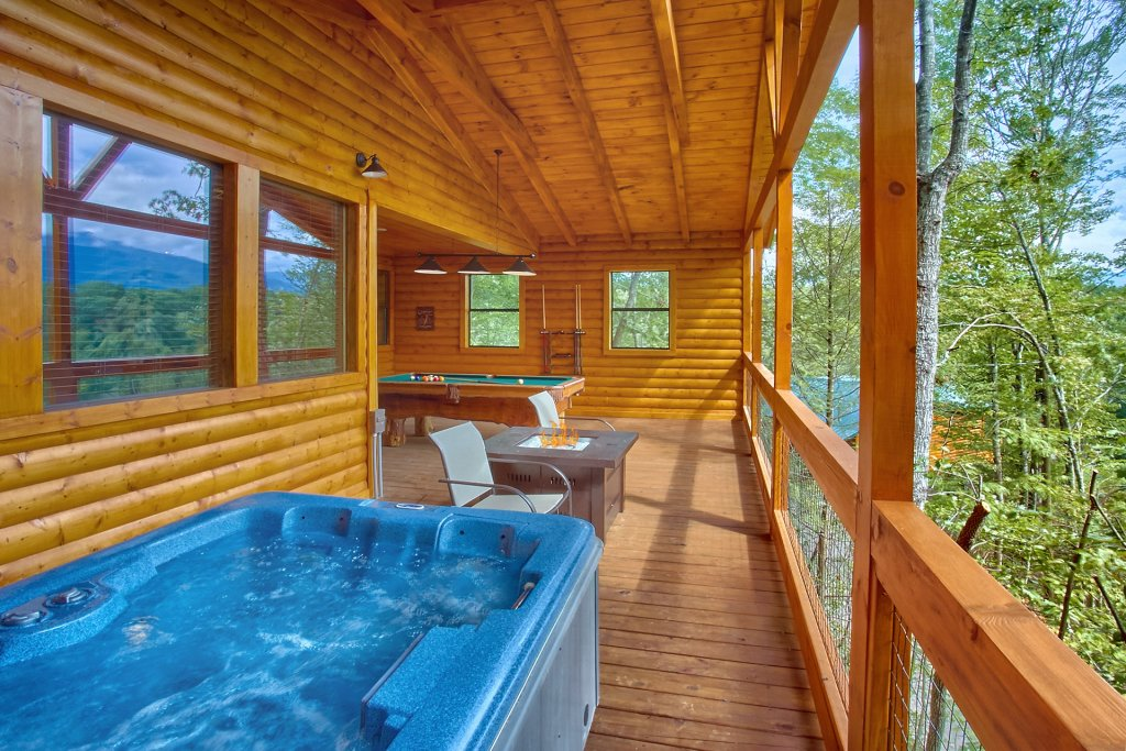 Photo of a Gatlinburg Cabin named Love Me True - This is the fifth photo in the set.