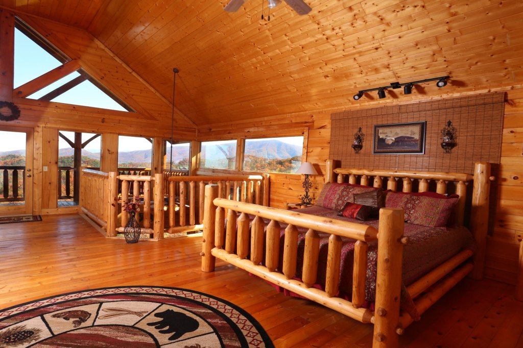 Photo of a Sevierville Cabin named His Amazing Grace - This is the twenty-second photo in the set.