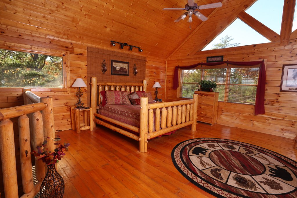 Photo of a Sevierville Cabin named His Amazing Grace - This is the eighteenth photo in the set.