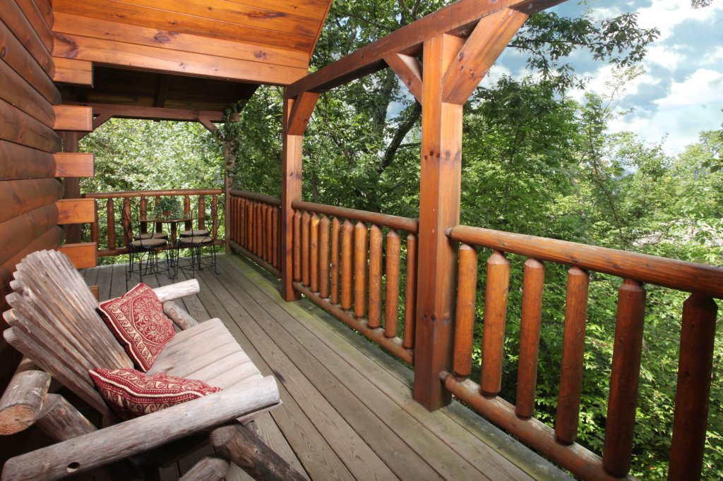 Photo of a Gatlinburg Cabin named Paws Forever - This is the third photo in the set.