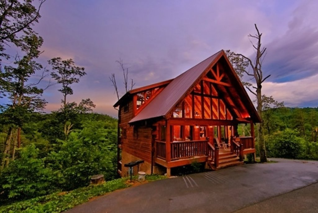 Photo of a Sevierville Cabin named Mountain Memories - This is the thirty-seventh photo in the set.
