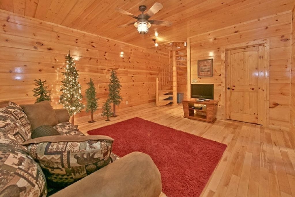 Photo of a Sevierville Cabin named Mountain Memories - This is the thirty-fifth photo in the set.
