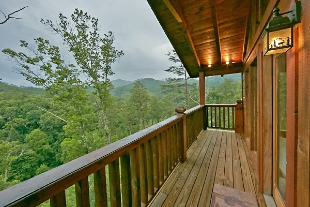 Photo of a Sevierville Cabin named Mountain Memories - This is the thirty-ninth photo in the set.