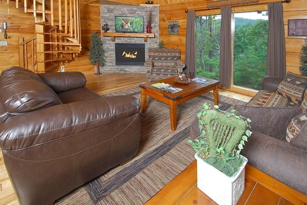 Photo of a Sevierville Cabin named Mountain Memories - This is the fifth photo in the set.