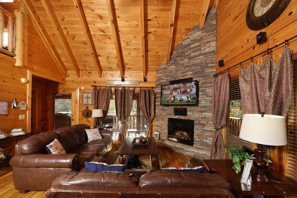 Photo of a Pigeon Forge Cabin named Amazing Grace - This is the fourteenth photo in the set.