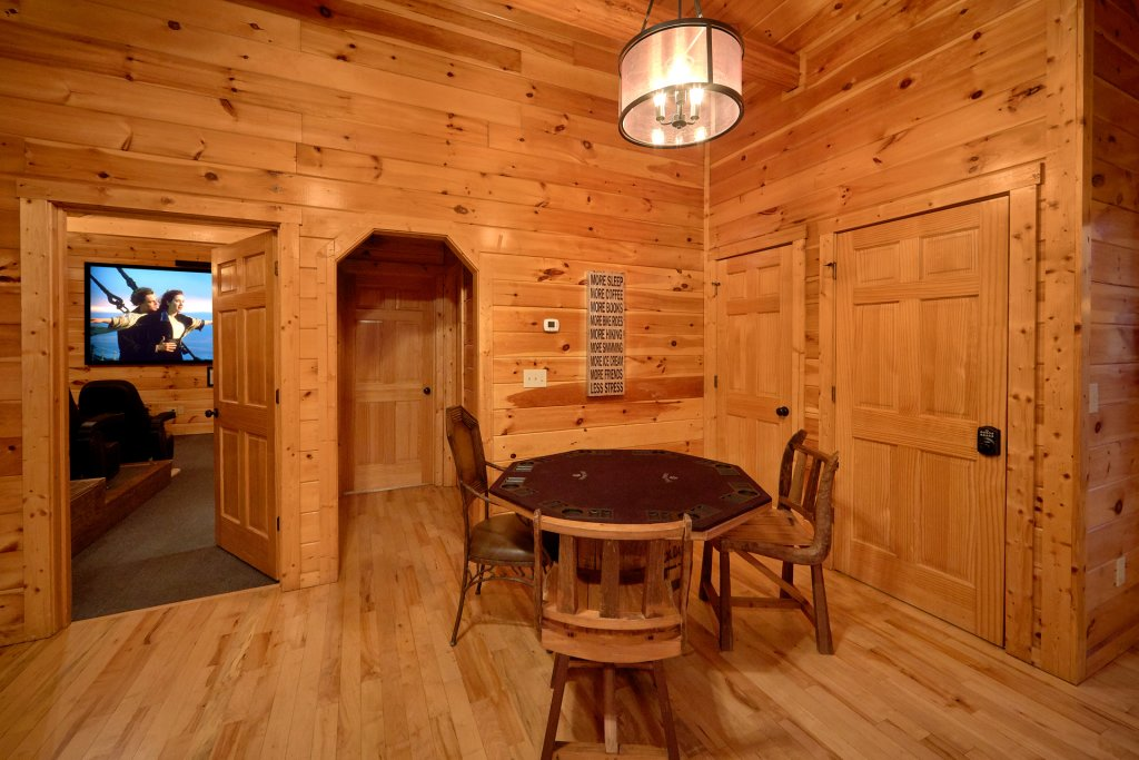 Photo of a Gatlinburg Cabin named Misty Mountain Lodge - This is the sixth photo in the set.