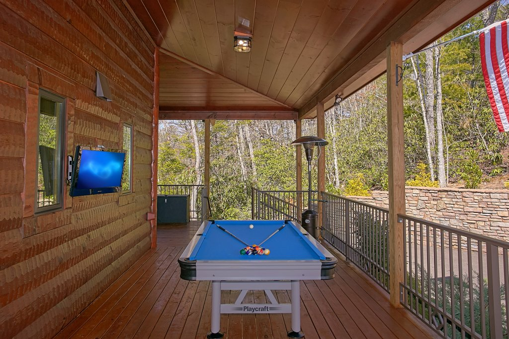 Photo of a Gatlinburg Cabin named Livin It Up - This is the third photo in the set.