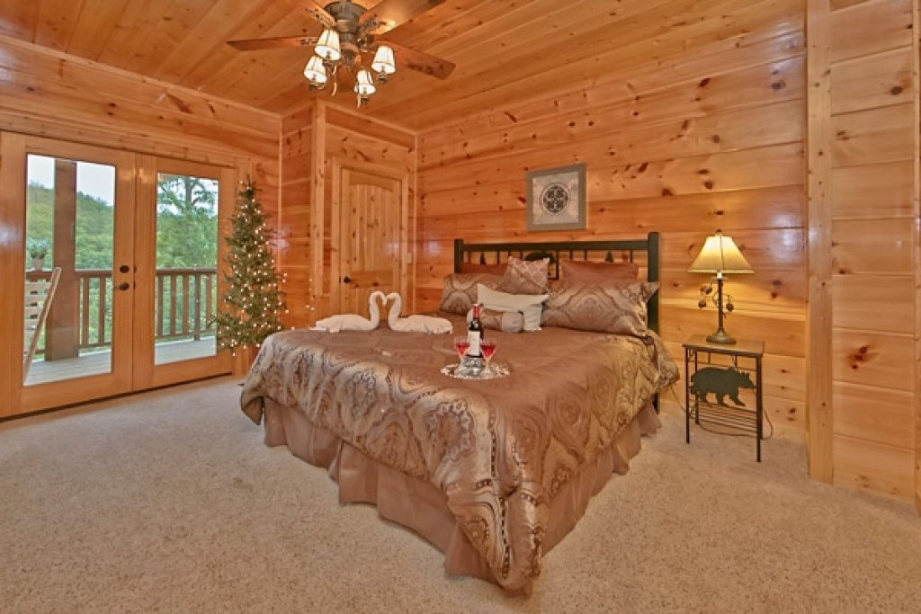 Photo of a Sevierville Cabin named Mountain Memories - This is the twenty-ninth photo in the set.