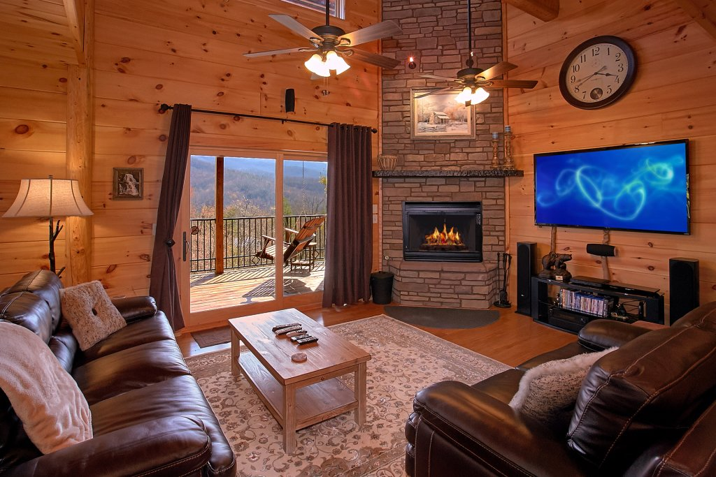 Photo of a Gatlinburg Cabin named Livin It Up - This is the thirteenth photo in the set.