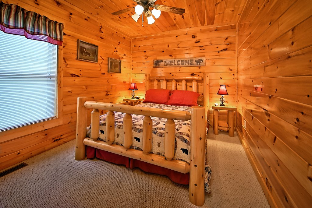 Photo of a Pigeon Forge Cabin named Breathtaking Views - This is the ninth photo in the set.