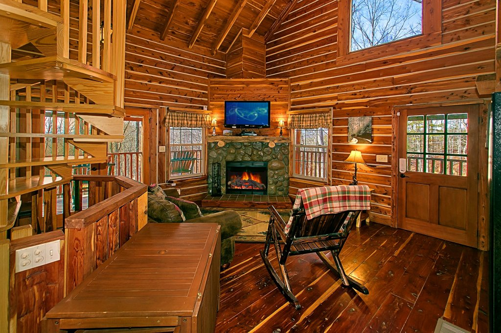 Photo of a Gatlinburg Cabin named Deer To My Heart - This is the first photo in the set.