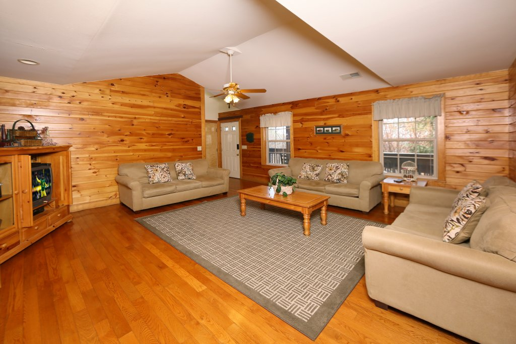 Photo of a Pigeon Forge Cabin named Magnolia Place Unit 2 (#5) - This is the twelfth photo in the set.