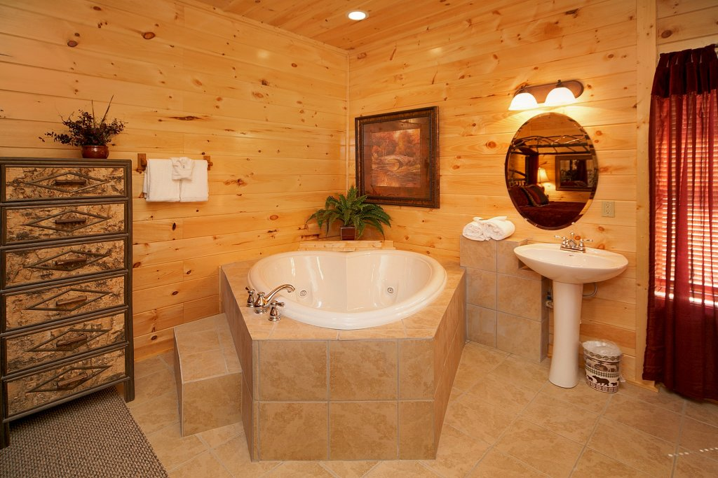 Photo of a Gatlinburg Cabin named Chalet D'amour - This is the twelfth photo in the set.