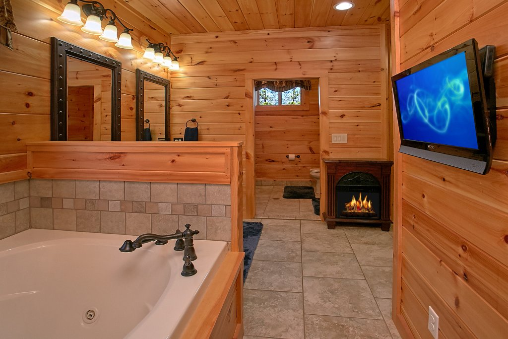 Photo of a Gatlinburg Cabin named Livin It Up - This is the twenty-sixth photo in the set.