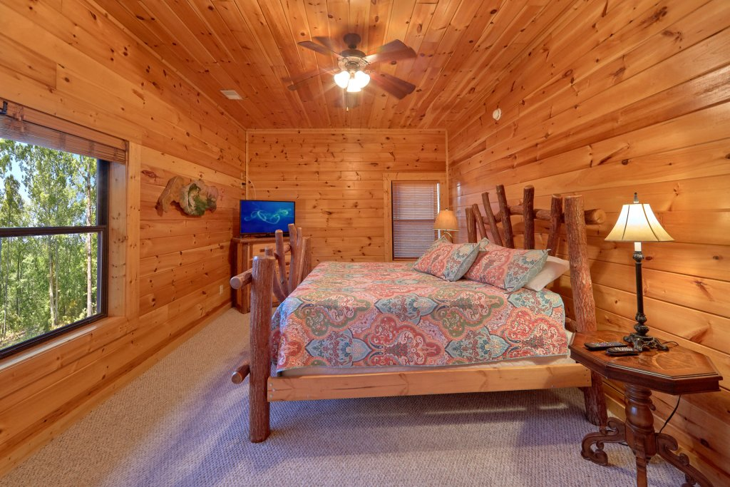 Photo of a Gatlinburg Cabin named Misty Mountain Lodge - This is the eighteenth photo in the set.
