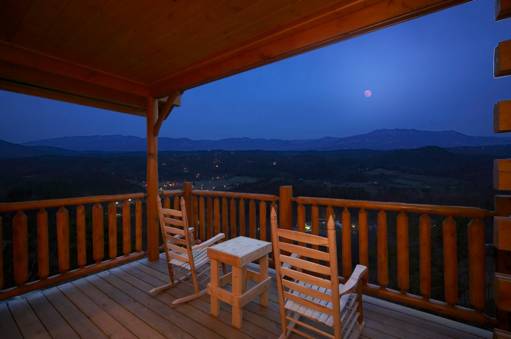 Photo of a Pigeon Forge Cabin named Paradise View (#24) - This is the first photo in the set.