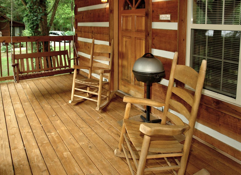 Photo of a Gatlinburg Cabin named Cuddle Inn #1529 - This is the third photo in the set.
