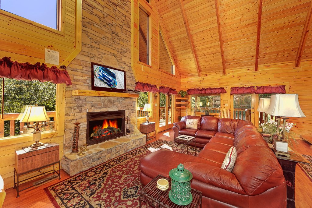 Photo of a Pigeon Forge Cabin named Secluded Hideaway - This is the eighth photo in the set.